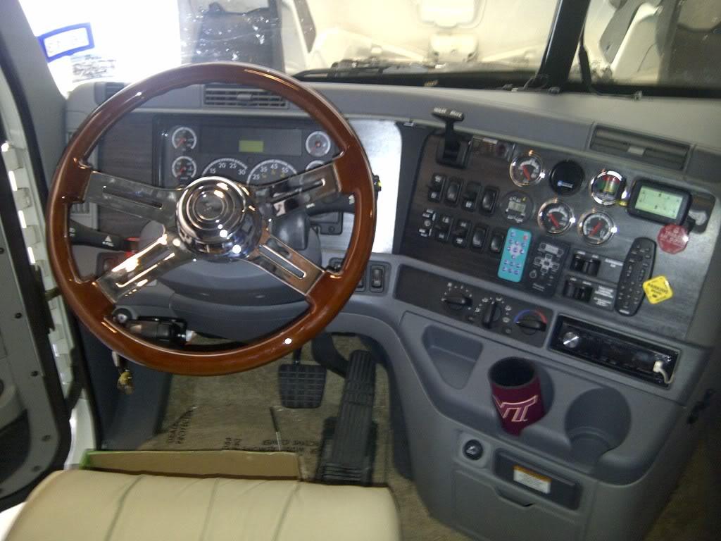 Freightliner: Steering Wheel Removal - Page 2 - Truck