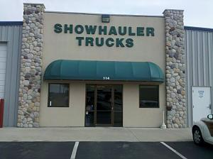 A trip to Showhauler - Wow! - Truck Conversion & Toterhome Community